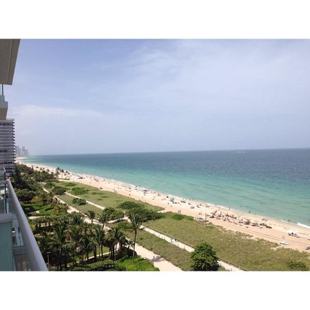 Grand Beach Hotel Surfside : View from Ocean View Room