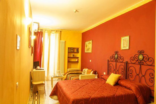 Hotel Ginori al Duomo - Italhotels Group: one bedroom of suite ginori