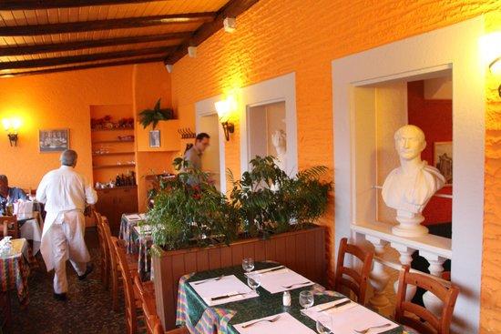 Il Corso : Inside view