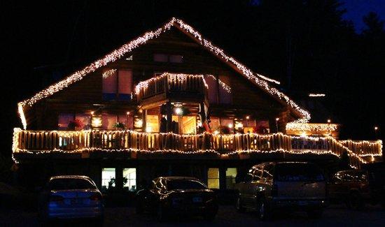 Hawk's Nest Restaurant & Pub: EVENING VIEW IN AUGUST