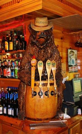 Hawk's Nest Restaurant & Pub: UNIQUE TAP