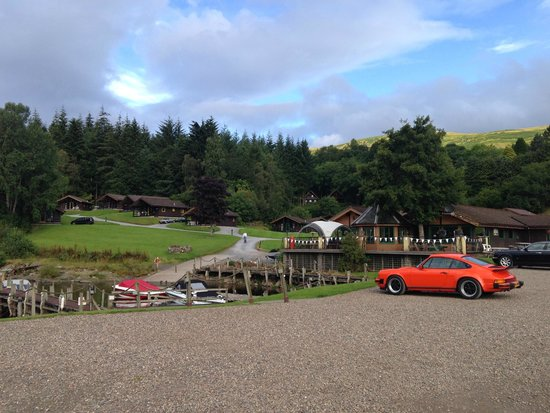Loch Tay Highland Lodges: View from lochside