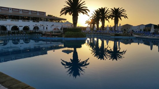 Aldemar Knossos Royal : Knossos Royal at Sunset