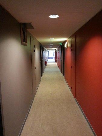 Adagio Access Le Havre : couloir menant au studio