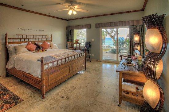 Tamarind Reef Resort, Spa & Marina : Honeymoon Suite  (photo by Kelly Greer)