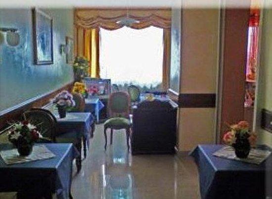 Hotel Georges: Exterior