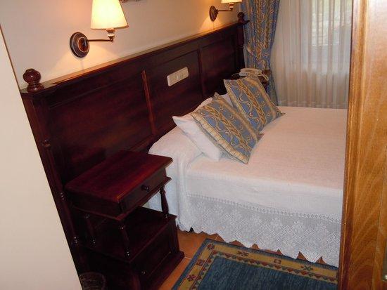 Hotel La Casa de Juansabeli: bella camera ad arenas de cabrales picos