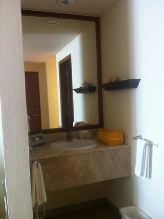 Ixchel Beach Hotel: Room 2505