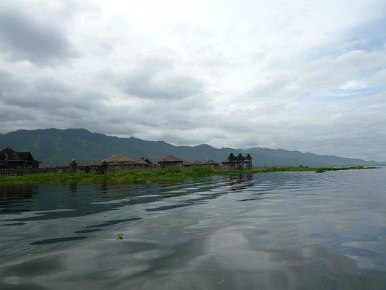 Inle Lake: ボートの移動は快適