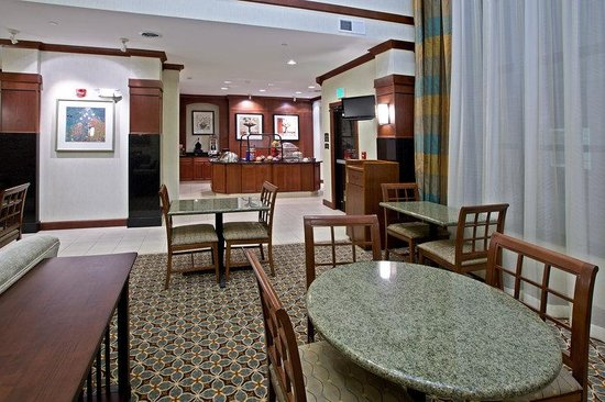 Staybridge Suites South Bend - University Area: Breakfast Area