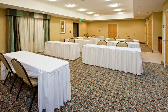 Staybridge Suites South Bend - University Area: Meeting Room