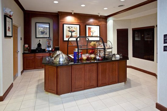 Staybridge Suites South Bend - University Area: Breakfast Bar