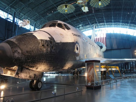 Smithsonian National Air and Space Museum Steven F. Udvar-Hazy Center: Discovery