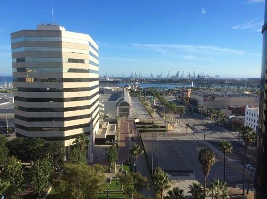 Renaissance Long Beach Hotel : View from the hotel's elevator.