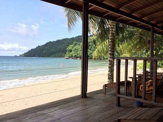 Mt Plaisir Estate Hotel : view from the deck to river mouth