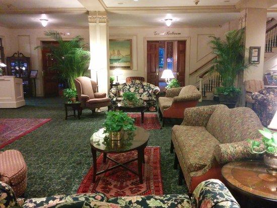 Hawthorne Hotel: Front lobby