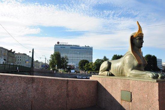 AZIMUT Hotel Saint Petersburg: вид на отель
