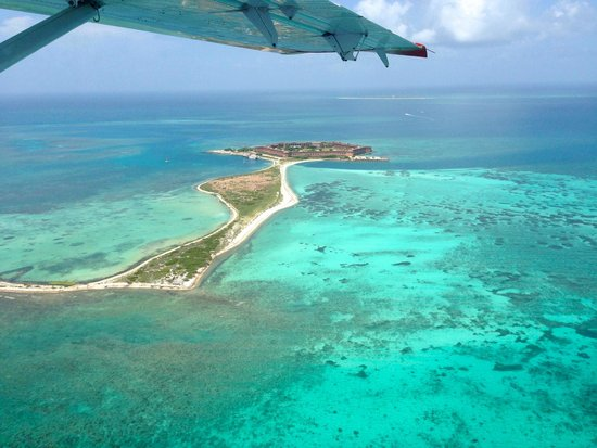 Key West Seaplane Adventures : Dry Tortugas National Park from the air