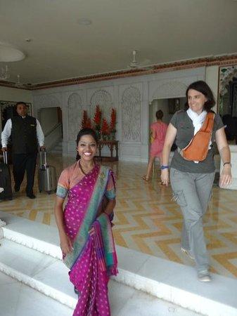Taj Lake Palace Udaipur: notre charmante hotesse d'accueil