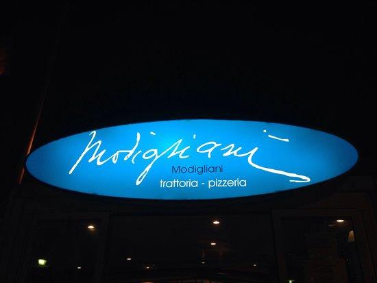 Modigliani: Outside of restaurant