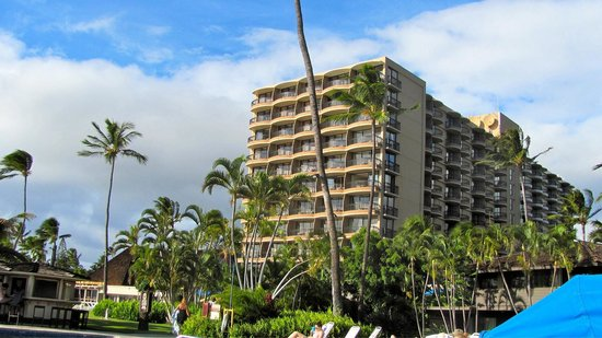 Royal Lahaina Resort: Great Hotel great staff loved it!!!