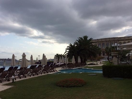 Ciragan Palace Kempinski Istanbul: vue de la terrasse