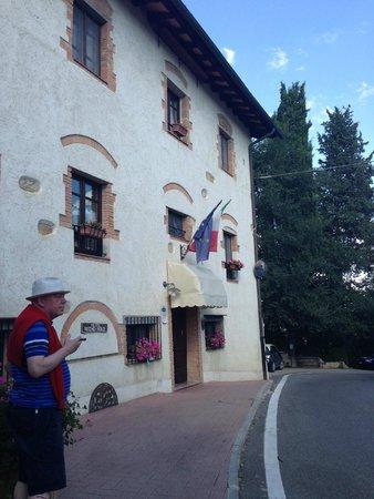 Hotel Vecchio Asilo: Front of the hotel