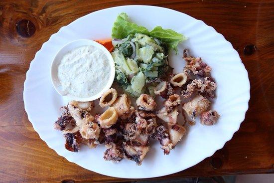 Misko The Oldest Fish Restaurant on Ada Bojana : Кальмары с яйцом