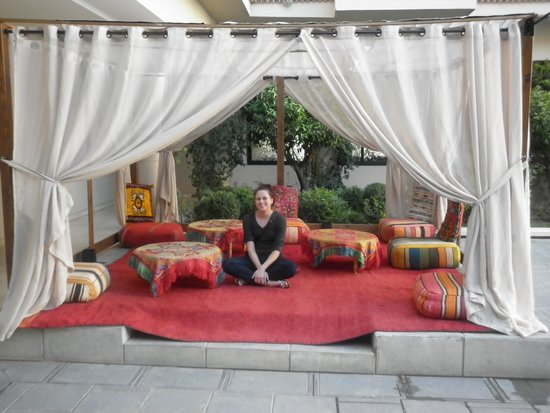 Red Hotel Marrakech: Seating area by the pool :-)