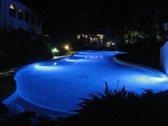 Mango Lagoon Resort & Wellness Spa: Poolarea