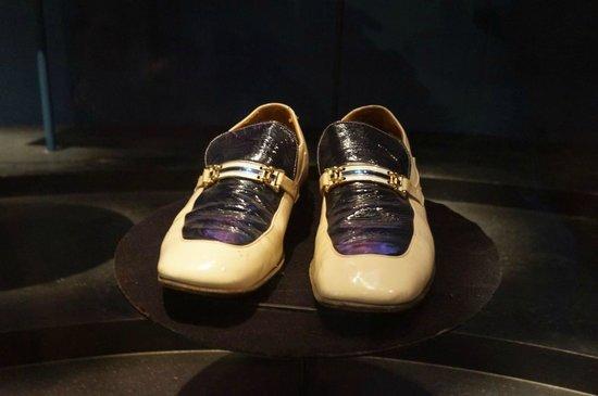 Bata Shoe Museum: Schuhe von Elvis Presley