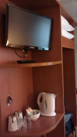 Premier Inn London Blackfriars (Fleet Street) Hotel : TV in room