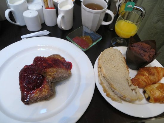The Morrison, a DoubleTree by Hilton Hotel: French Toast