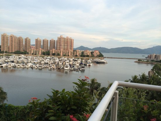 Hong Kong Gold Coast Hotel: Vue depuis le balcon