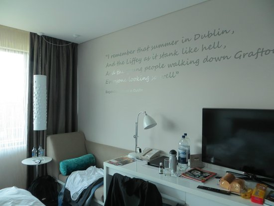 The Morrison, a DoubleTree by Hilton Hotel: Das Zimmer