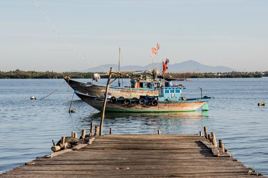 Hoi An Photo Day Tours & Workshop : Fishing boat