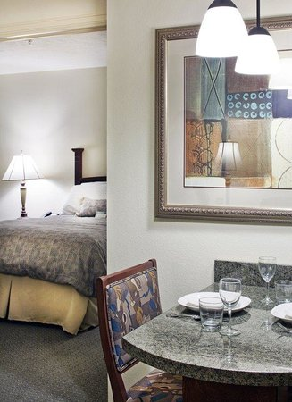 Staybridge Suites Omaha 80th & Dodge: One Bedroom with King Bed
