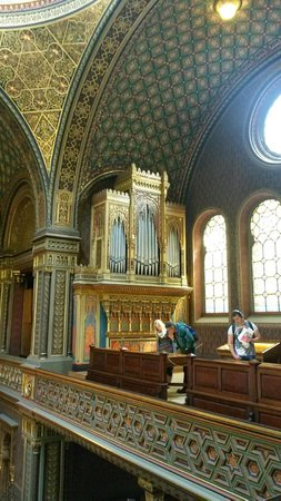 Spanish Synagogue, Jewish Museum in Prague: Organs in the synagogue