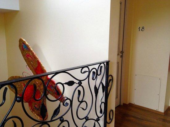 Hotel Eze Hermitage: Escalier