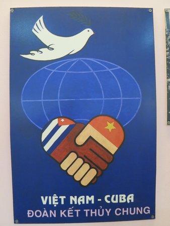 Ho Chi Minh Mausoleum: Cuban support poster