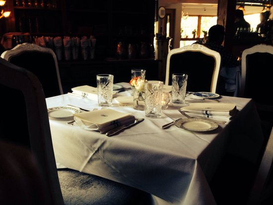 Bramble and Brine: Cute table set