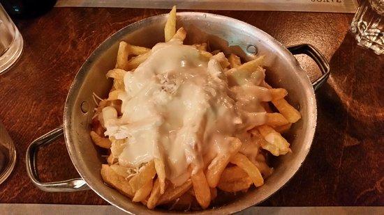 Zahoulis: Patatine con maionese e formaggio