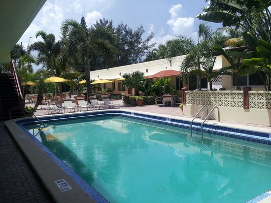 Surfside Resort: pool