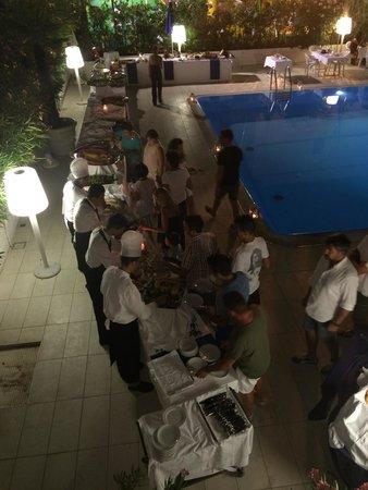 Caravelle Hotel: Ferragosto in piscina spettacolare