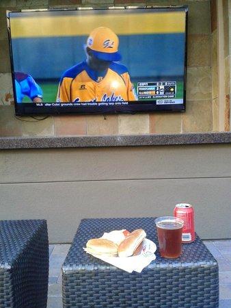 Residence Inn San Diego Carlsbad : Barbecue and baseball