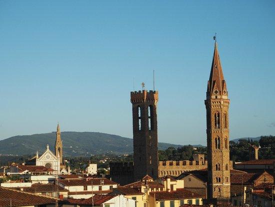 Hotel Villani: vue de la terrasse au-dessus des toits