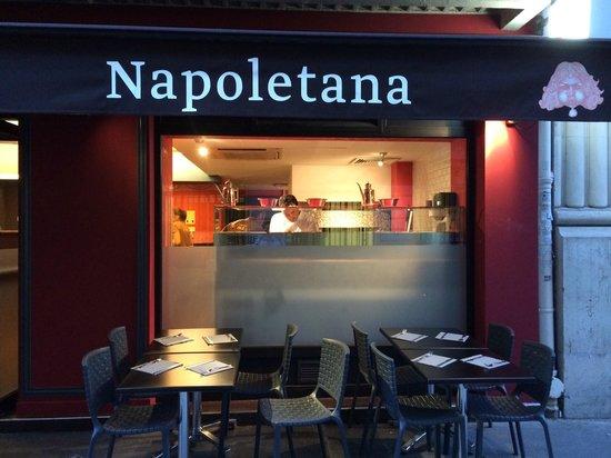 vitrine picture of o 39 scia pizzeria napoletana paris. Black Bedroom Furniture Sets. Home Design Ideas