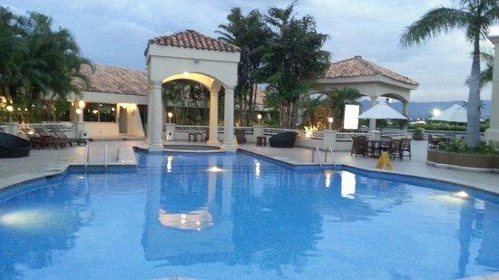 Clarion Hotel Real Tegucigalpa : Piscina del hotel