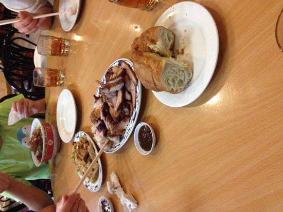 New Hon Wong Restaurant: FOOD fried dough stuff