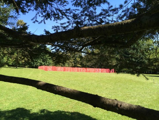 Kentuck Knob: Sculpture meadow: Red Army.